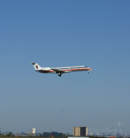 — — - American Eagle landing at KDFW. Flaring high?