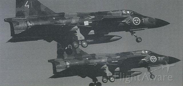 Saab Viggen (041) - scanned from postcard
