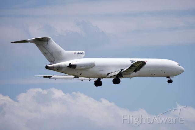 BOEING 727-200 (N216WE) - 2ND TO LAST 727 BUILT. LANDING 23-R AT KIND 05-15-18