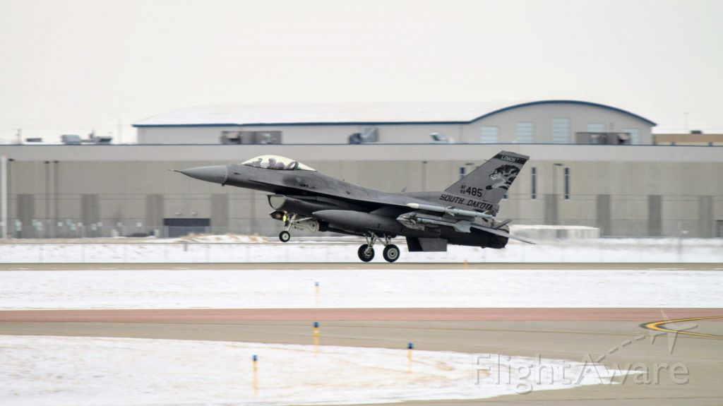 Lockheed F-16 Fighting Falcon (88485) - Touchdown of mains for #88-485 (F-16C Block 40)<br />South Dakota Air National Guard 114th Fighter Wing / 175th Fighter Squadron