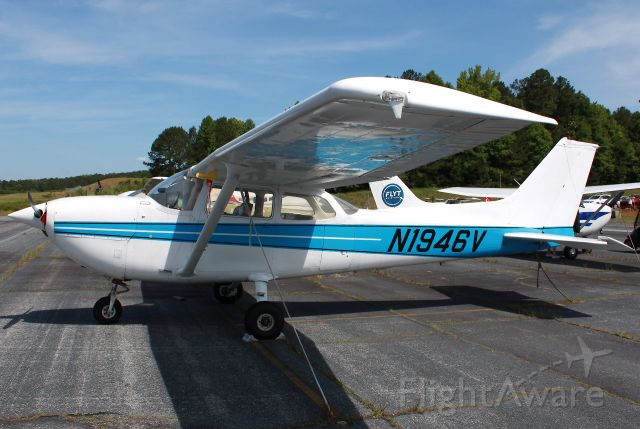 Cessna Skyhawk (N1946V) - 1976 Cessna R172K Hawk XP. Photo taken on 05/22/2021.