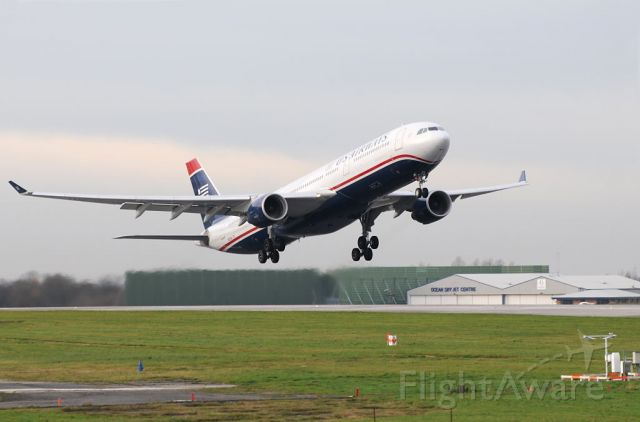 — — - US Air A33.3  gets airborne from 05L on its way to Philadelphia