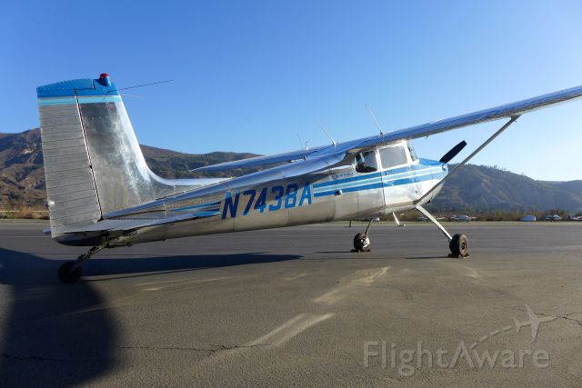 Cessna Skyhawk (N7438A) - Late afternoon flight to Santa Paula airport. Super clean 1958 Cessna C-172 can
