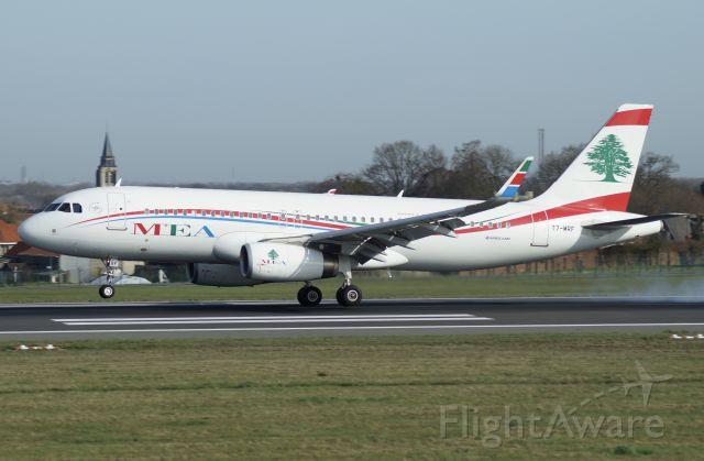 Airbus A320 (T7-MRF)