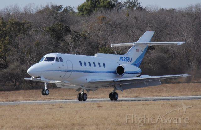 Raytheon Hawker 800 (N225BJ)