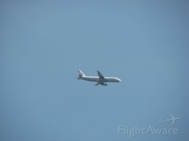 Airbus A320 (N475UA) - United flight 812 arriving from Denver, CO