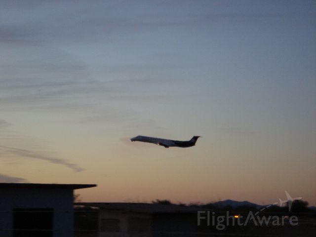 Embraer ERJ-145 (SLI2466) - TakeOff Rwy13 By Alex Sánchez