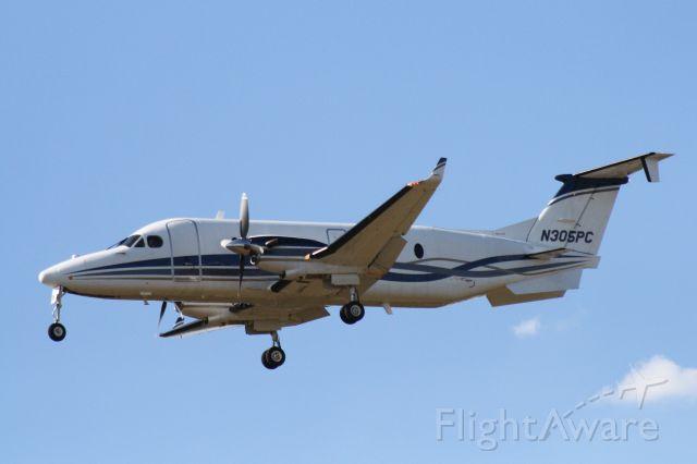 Beechcraft 1900 (N305PC) - Landing at Flagstaff Pulliam Airport 9/18/2018