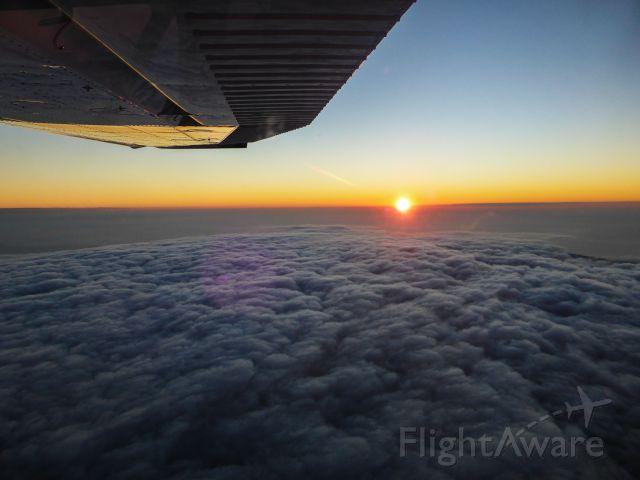 Cessna Skylane (N1967X) - Love flying at sunset....