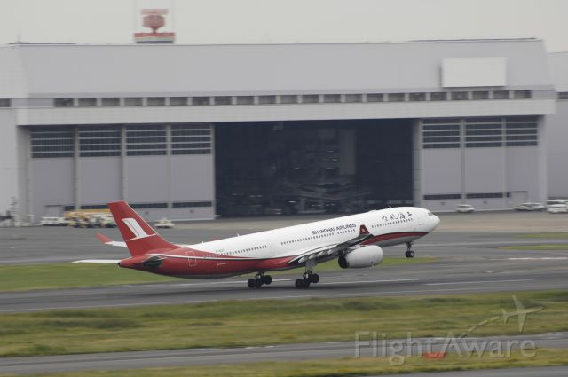 Airbus A330-300 (B-6127) - Takeoff at Tokyo-Haneda Intl Airport on 2014/10/24
