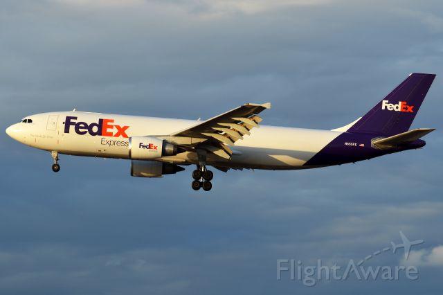 Airbus A300F4-600 (N655FE)