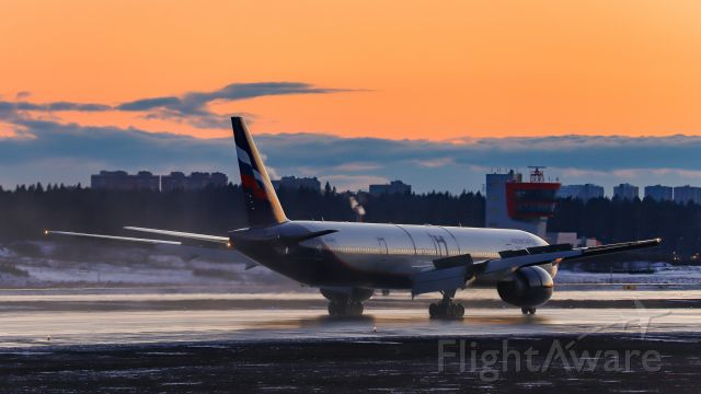 BOEING 777-300ER (VQ-BFK)