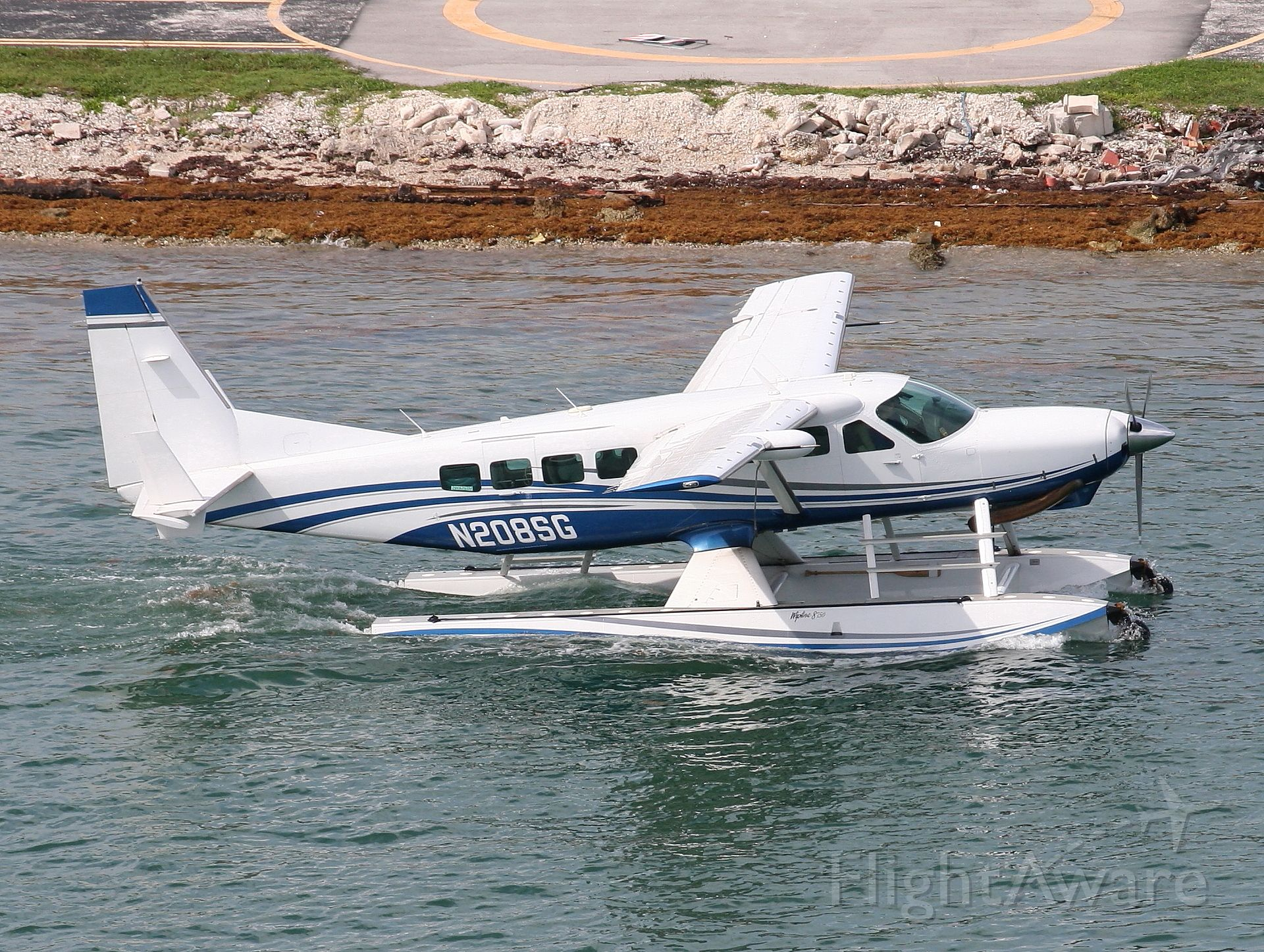 Cessna Caravan (N208SG) - Just about to take  off.