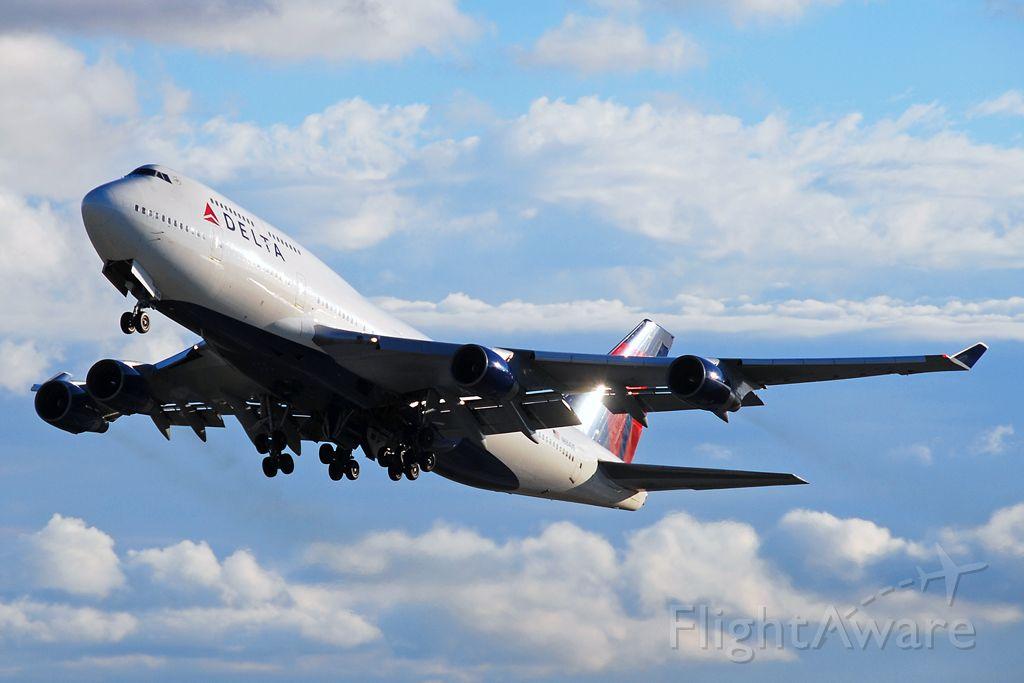 Boeing 747-400 (N664US) - Boeing 747-451 (c/n 24225). October 14, 2009.