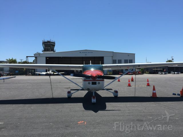 Cessna Skylane (N182KU)