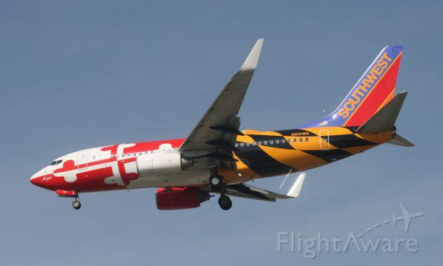 Boeing 737-700 (N214WN) - Maryland one landing at Louisville.