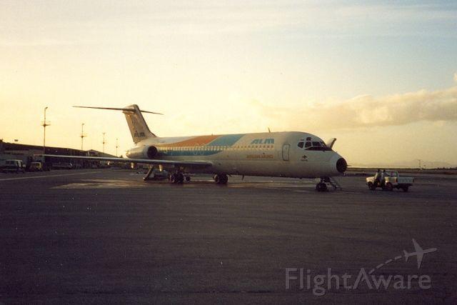 McDonnell Douglas DC-9-30 — - ALM DC9-32 archief 1988