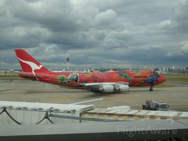 Boeing 747-400 (VH-OEJ) - Qantas now sadly nonexistent Wunula Dreaming colour scheme