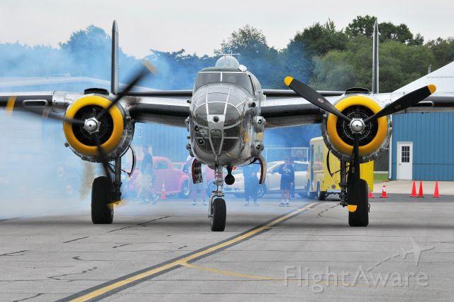 North American TB-25 Mitchell (NL1042B) - Firing up #2. 09-04-21