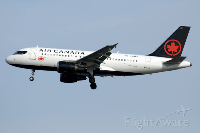 Airbus A319 (C-GARG) - Air Canada 533 from Vancouver inbound 4R