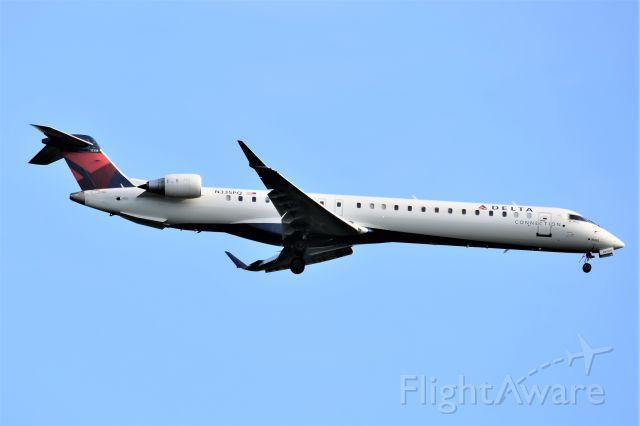 Canadair Regional Jet CRJ-900 (N335PQ)