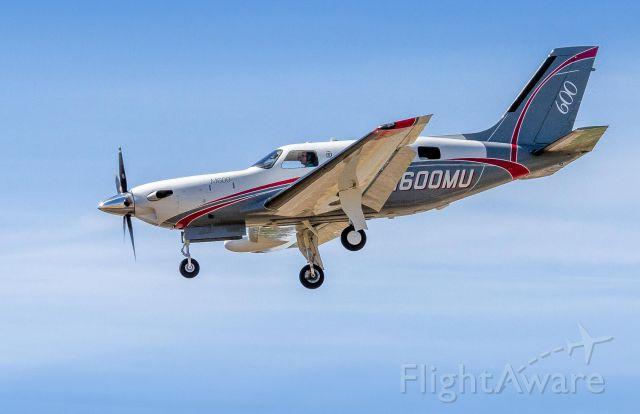 Piper Malibu Meridian (N600MU) - Landing on Runway 21.