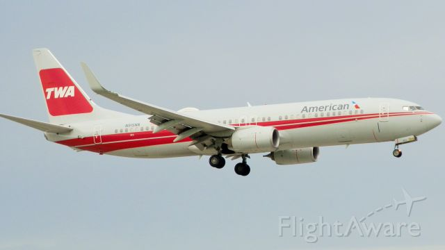 """Boeing 737-800 (N915NN) - With The TWA Logo""""American Airlines acquired""""In the early 2000s"""
