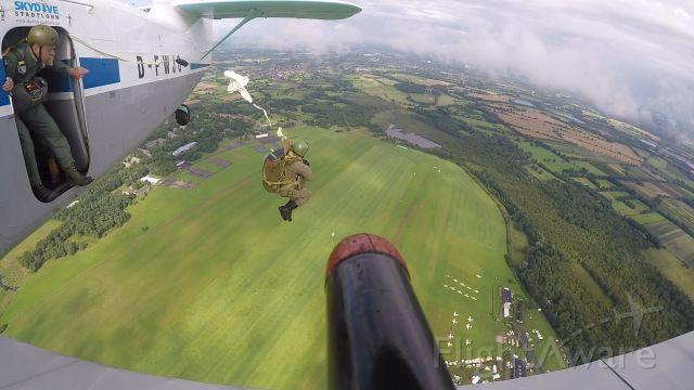 Antonov An-2 (D-FWJO) - Round Canopy dropping