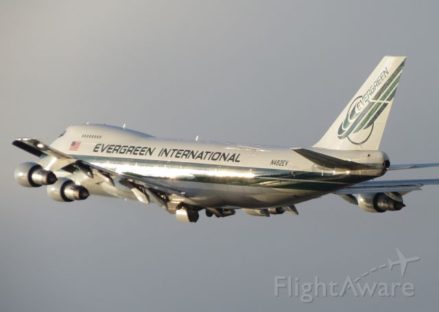Boeing 747-200 (N482EV)