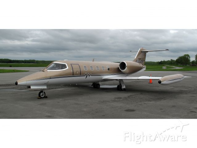 Learjet 35 (N950SP) - Great looking, fast aircraft!