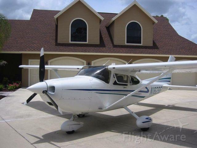 Cessna Skyhawk (N182BF)