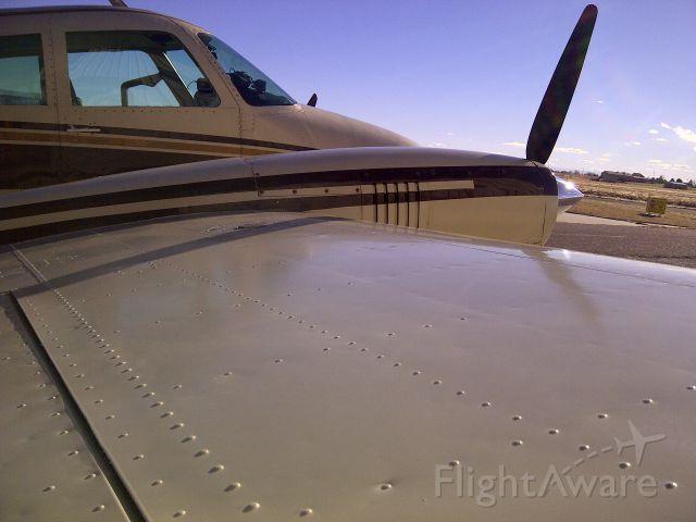 Cessna 310 (N6749T)