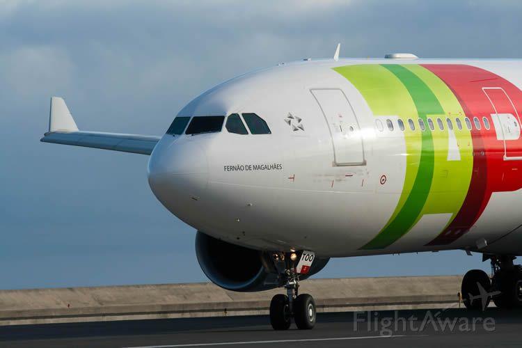 Airbus A330-300 (CS-TOO)
