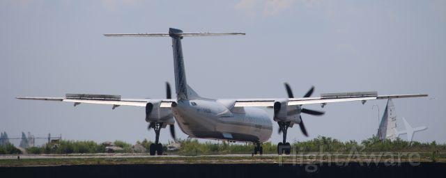 de Havilland Dash 8-400 (C-GLQV)