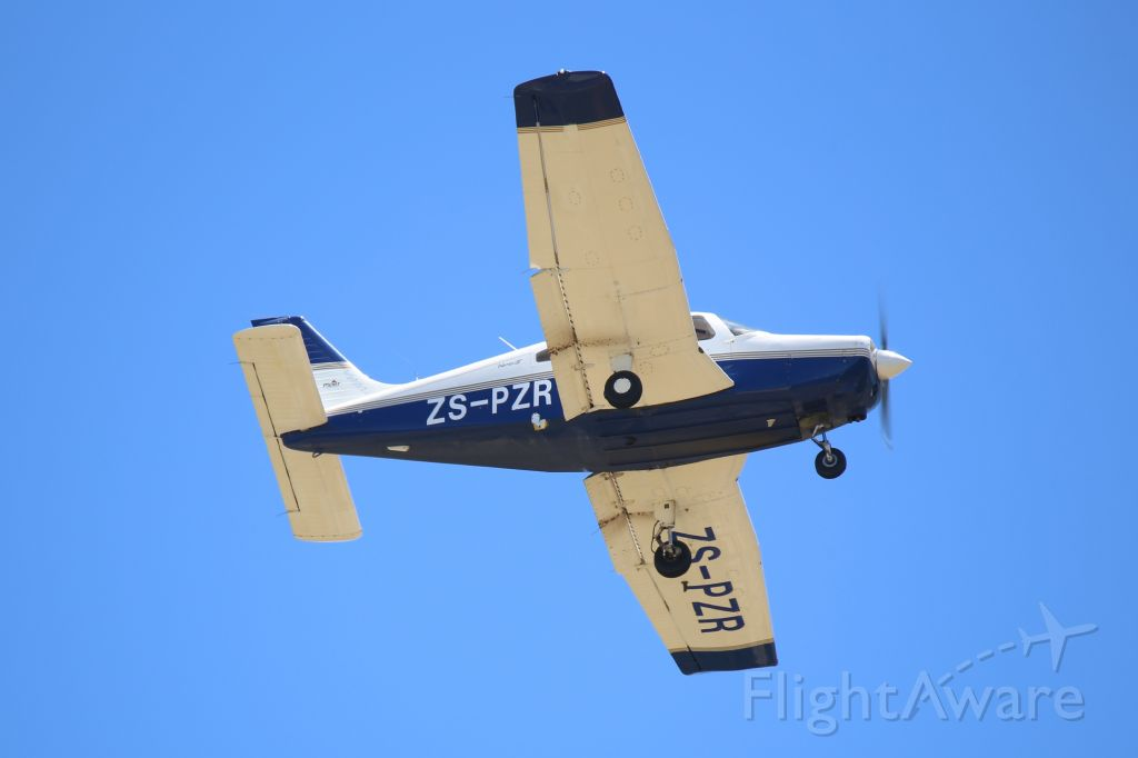 Piper Cherokee (ZS-PZR) - Student Pilot doing a number of touch-and-gos with Progress Flying School
