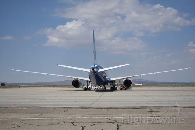 BOEING 787-10 Dreamliner (N528ZC) - 9/11/2017: Boeings new Boeing 787-10 (N528ZC) at Victorville.