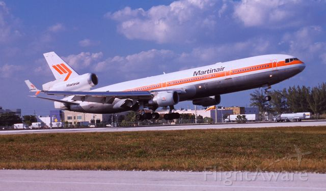 Boeing MD-11 (PH-MCR) - Close to touch down at MIA 2-3-2001.
