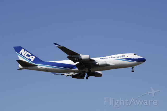 Boeing 747-400 (JA07KZ) - Final Approach to NRT Airport R/W34L on 2012/04/08