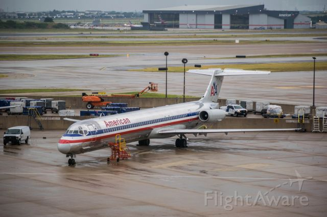 McDonnell Douglas MD-80 — - Unknown American MD80 parked at DFW