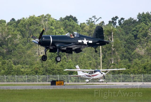 VOUGHT-SIKORSKY V-166 Corsair (N43FG) - The Old and the New
