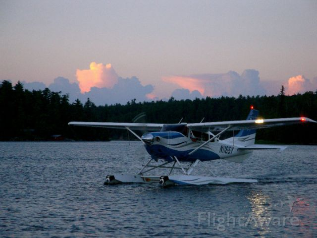 Cessna 206 Stationair (N1165Y) - Taxiing into Shady Roost fishing camp, Nester Falls, Ontario