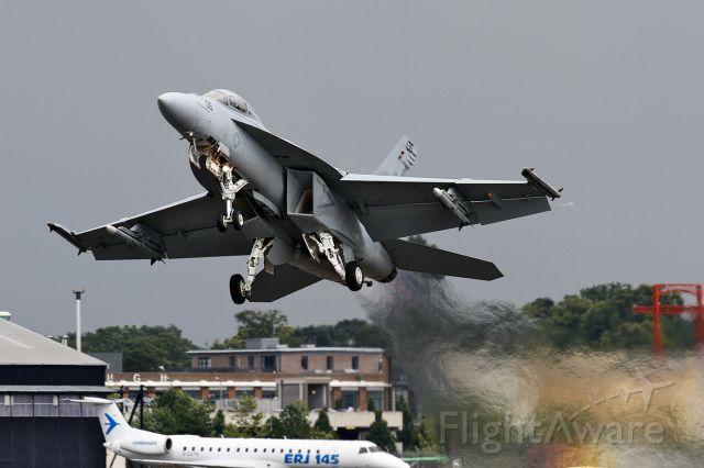 McDonnell Douglas FA-18 Hornet (16-6962) - F/A-18F Super Hornet