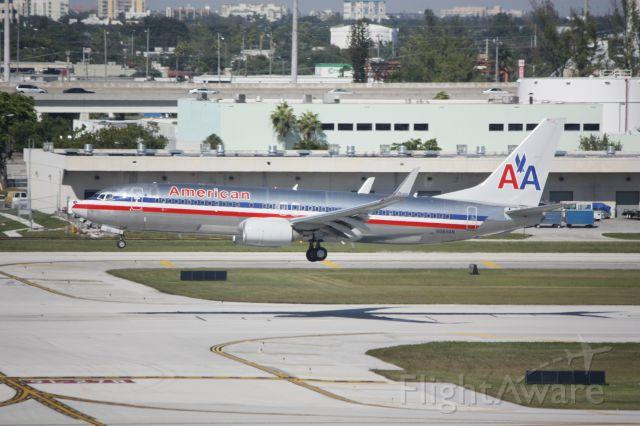 Boeing 737-800 (N989AN)