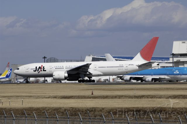 Boeing 777-200 (JA704J) - Departure at Narita Intl Airport Rwy34L on 2013/02/21