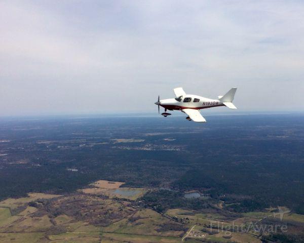Cessna 350 (N193DW) - In flight over Texas.