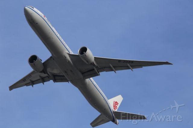 BOEING 777-300ER (B-2089)