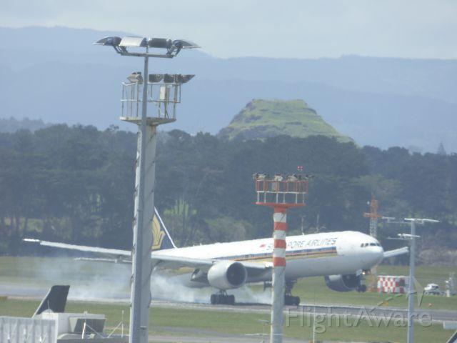 Boeing 777-200 (9V-XXX) - Taken at Auckland Airport prior to departure back to Sydney Australia.Smokinnn....