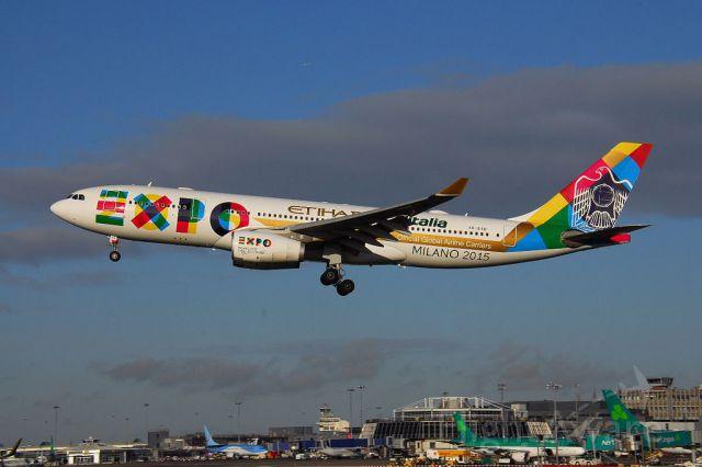 Airbus A330-200 (A6-EYH)