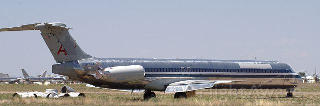 McDonnell Douglas MD-80 (N571AA)