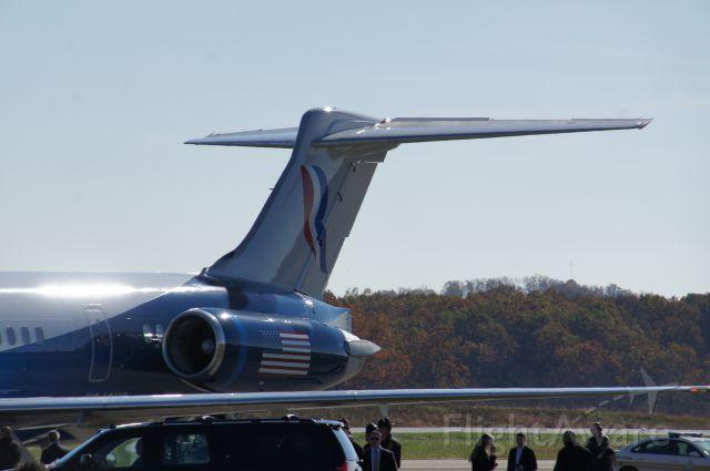 McDonnell Douglas MD-83 (N949NS) - Mitt Romney's airplane in Lynchburg, VA